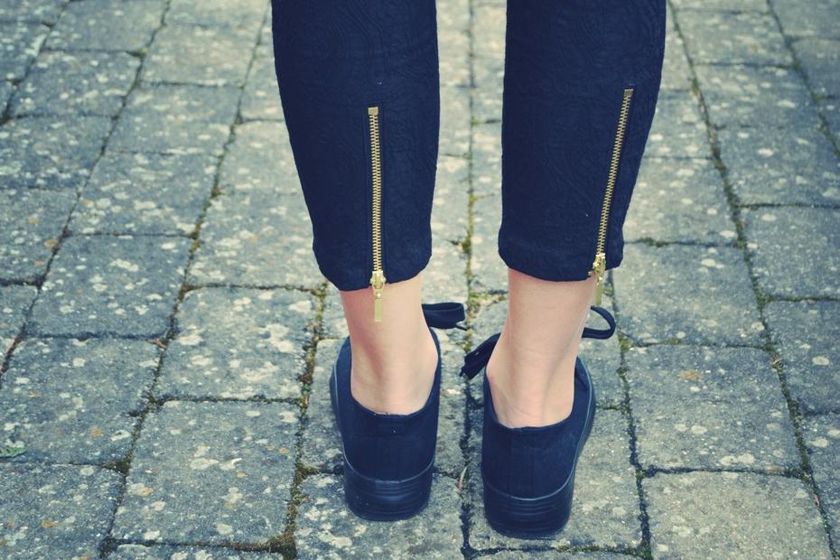 dagens-outfit-mode-sko-lynlås-detalje